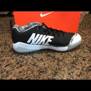 Nike Shoes - Nike Force Zoom Trout 4 Turf shoes 917838-001